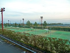 Marriott Lake Biwa - tennis courts