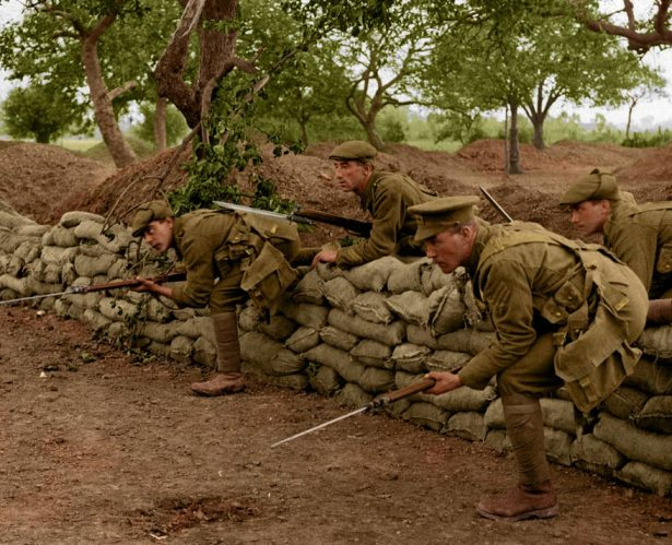 7-soldiers-advance-from-trench-ww1-colour