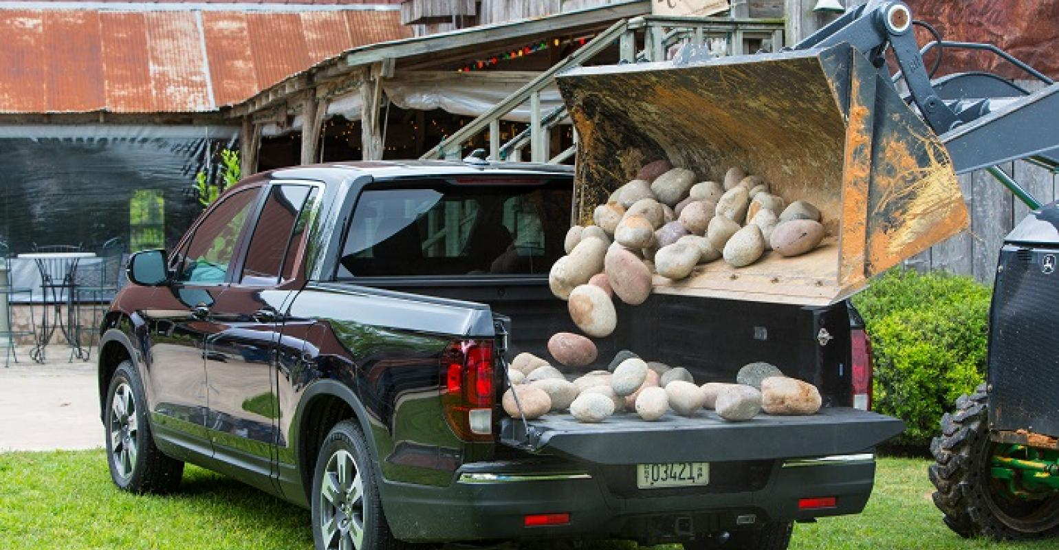 Even with all five seats filled, the honda ridgeline cabin isn't going to end up. New Honda Ridgeline Pickup Bed Durable Highly Versatile Wardsauto