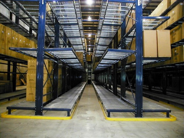 Cantilever Rack With Wire Mesh Decking All Level