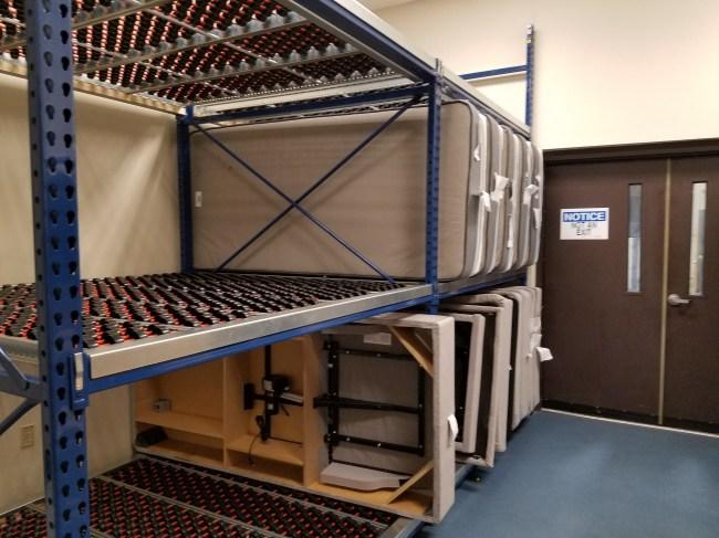 Gravity Roller Bed Storage