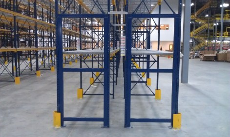 Row End Super Truss with Column Guard