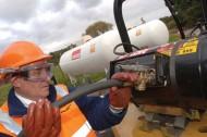 calor-fork-lift-truck-refuelling