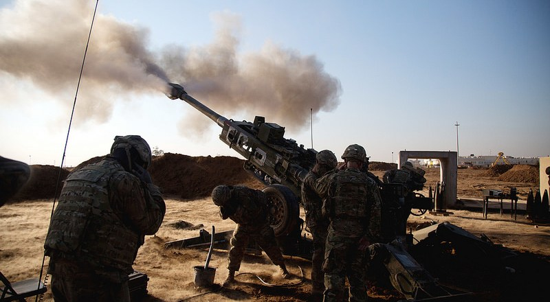 US 82nd Airborne Div, firing M777 155mm Howitzer near Mosul, Iraq, 3 Feb 2017, by Spc Craig Jensen [US Army]
