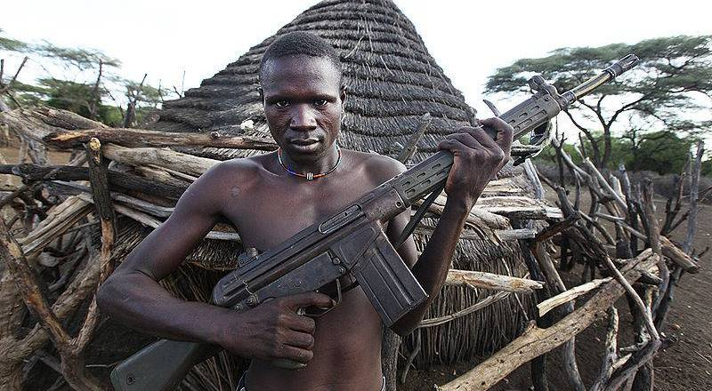 South Sudan man HK G3 rifle by Steve Evans (9 May 2011, CC2) [800px]