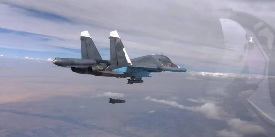 Russian Federation Sukhoi Su-34 attacking ISIS targets in Syria with 560kg KAB-500S bomb (Russian MOD, 2015)