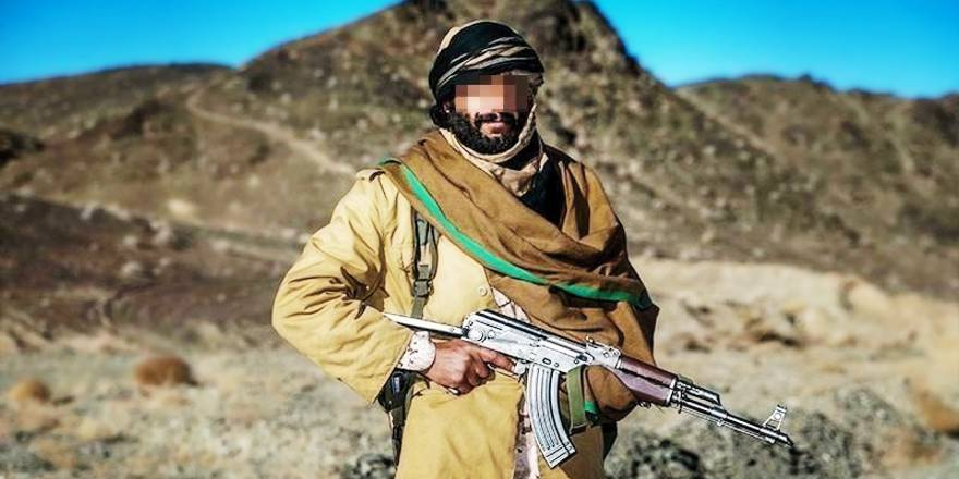 Iran, Islamic Revolutionary Guard Corps (IRGC) Ground Force Commandos, soldier with AK47 (2)(Tasnim News Agency, CC4, 2017)