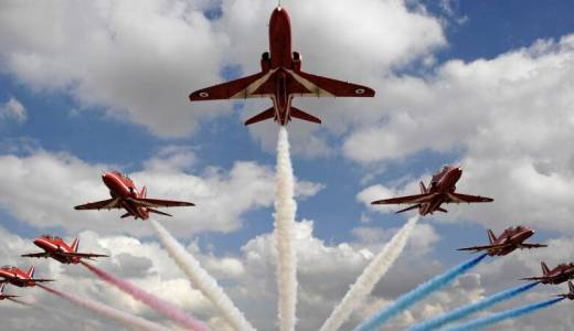 RAF Red Arrows, RAF Scampton (Crown Copyright, 2007) [880]