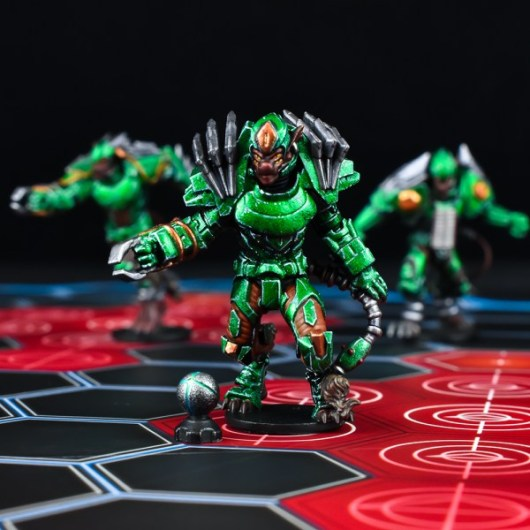 Capitán Yndij de los Ninth Moon Tree Sharks. Dreadball Segunda Edición