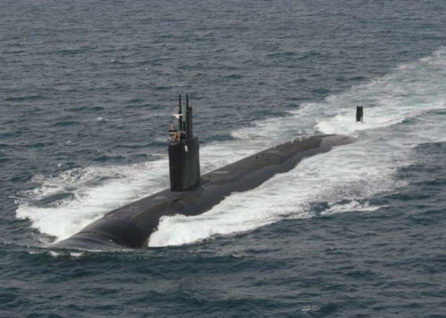 030729-N-5465P-004 Pacific Ocean (Jul. 29, 2003) -- Crewmen aboard the Los Angeles-class nuclear powered attack submarine USS Asheville (SSN 758), man the topside navigation watch as the submarine operates at high speed near San Diego.  U.S. Navy photo by Journalist 2nd Class Thomas C. Peterson.  (RELEASED)