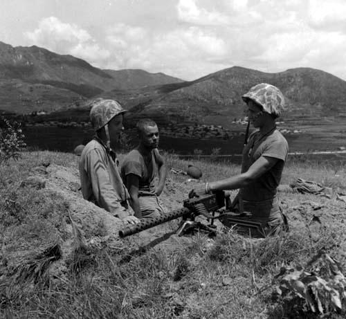 US Marines in Korean War via commons.wikimedia.org