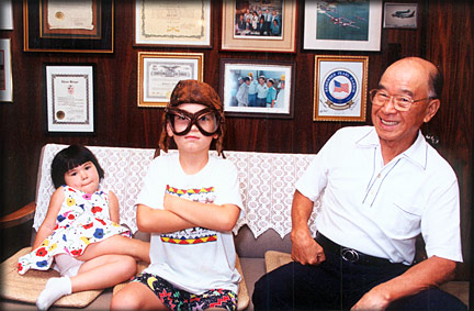 Sakai with his grandchildren in California in 1991