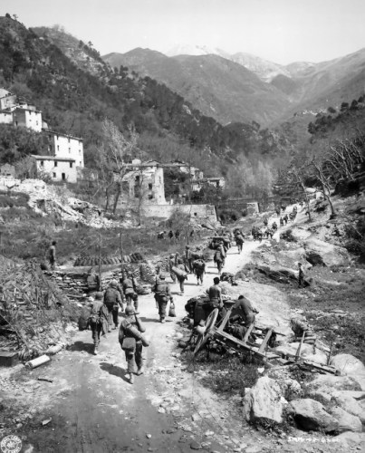 US Infantry Pushing through Italy via commons.wikimedia.org