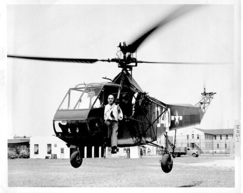 Igor Sikorsky and the world's first mass-produced helicopter, the Sikorsky R-4, 1944. Wikipedia / Public Domain
