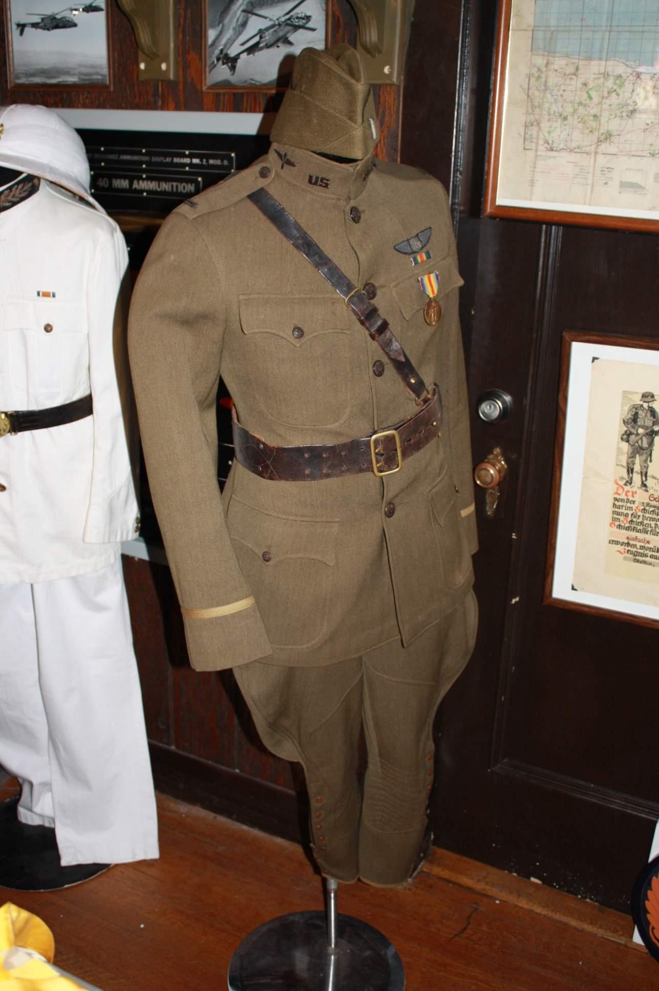 Lt Allens WWI uniform
