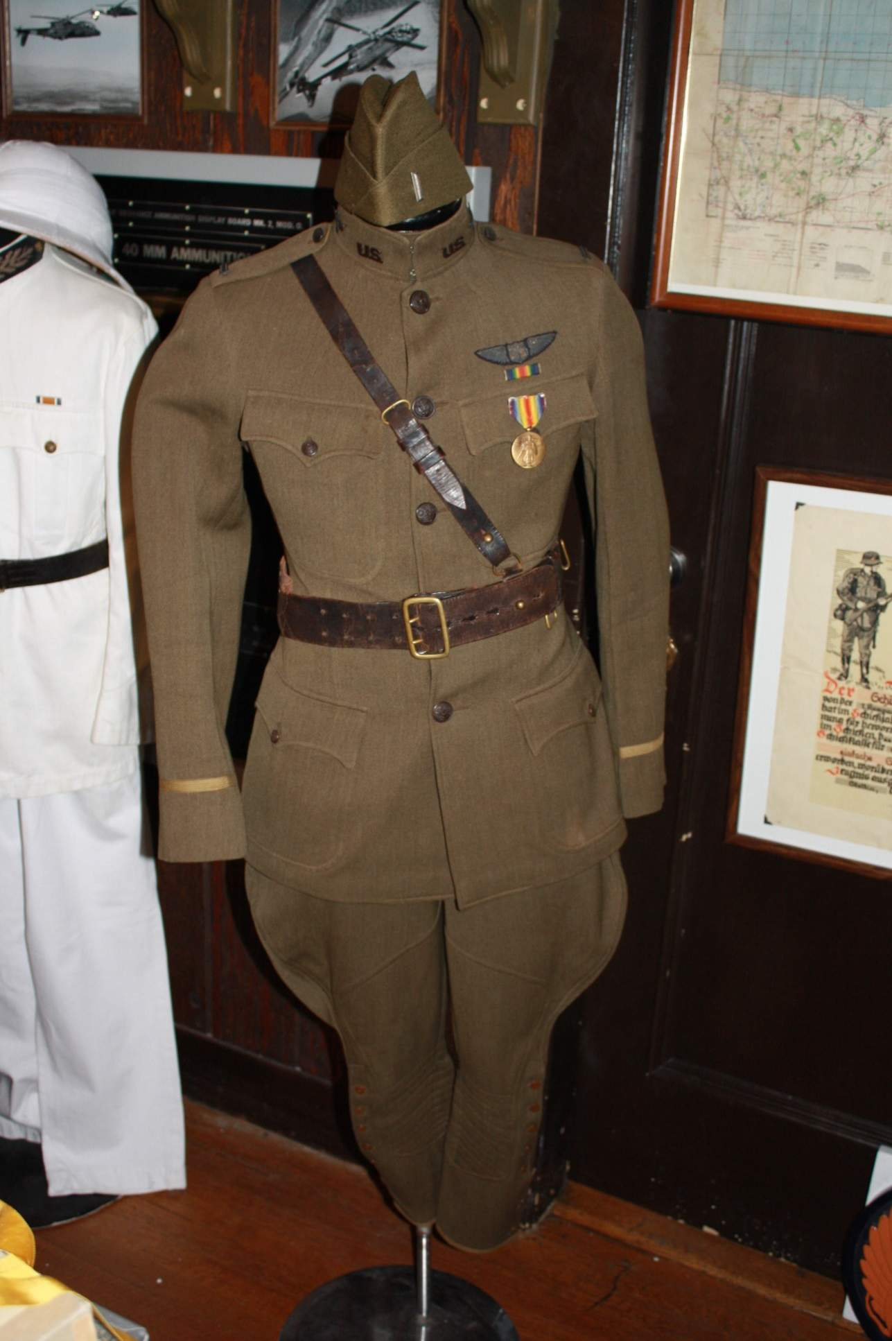 Lt Allens WWI uniform