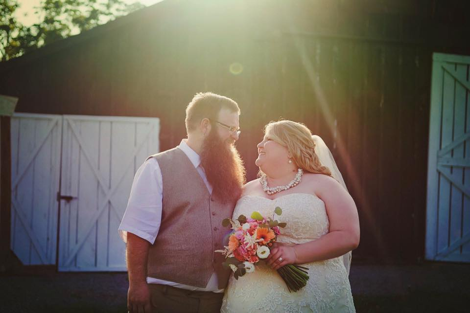 Barn wedding at Warrenwood Manor