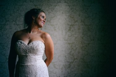 Bridal portrait in natural light of Warrenwood Manor