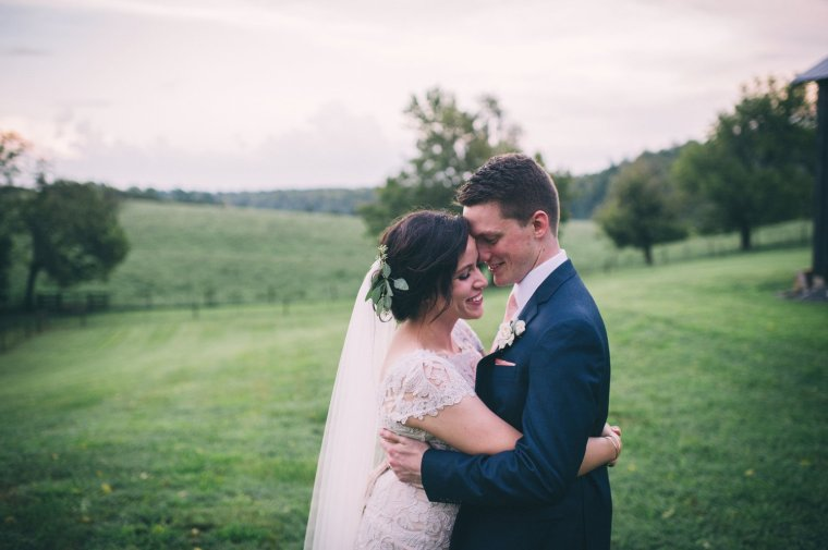 Bride & Groom in Green Pasture at Warrenwood Manor, Photo by Sarah Katherine Davis Photography