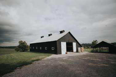 Kentucky barn wedding venue