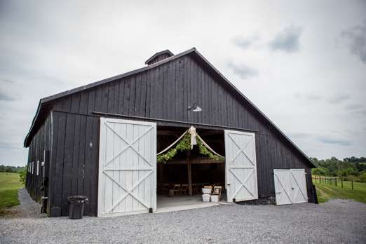 Warrenwood Manor Barn, central kentucky wedding venue