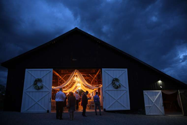 Rural Kentucky barn wedding reception venue