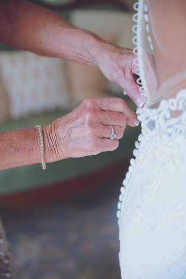 Vintage Glam wedding, getting ready