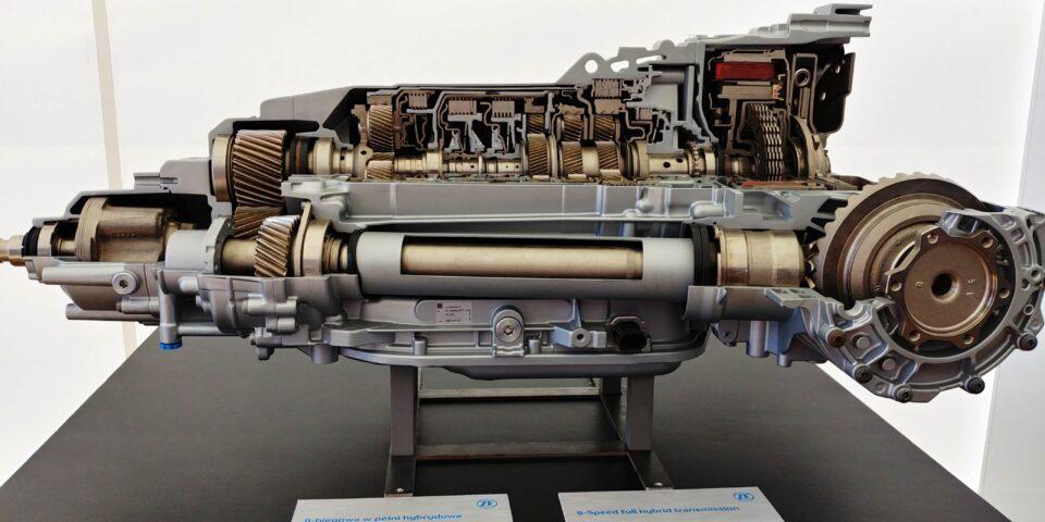 Olej w automatycznej skrzyni biegów – wymieniać czy nie?