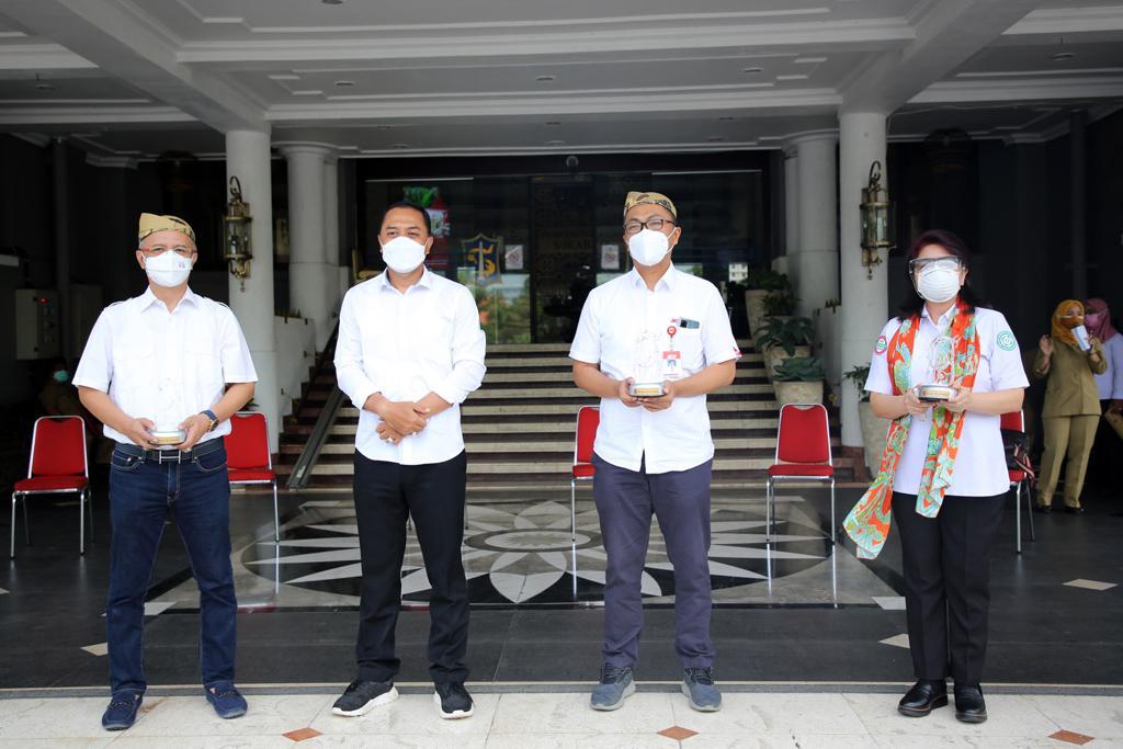 Bantuan Mengalir, Eri: Surabaya di Masa Sulit