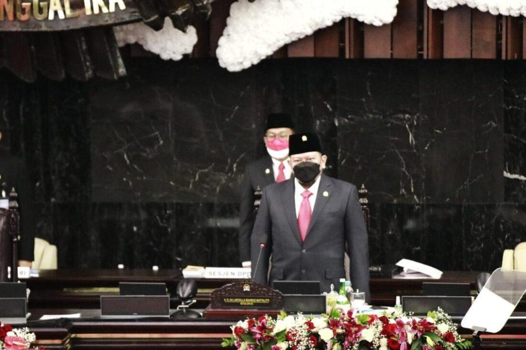 Ketua DPD RI Kupas Pasal 29 dan 33 UUD 1945 Saat Pimpin Sidang Bersama DPR - DPD