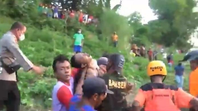 Mencari Kerang, Dua Pemuda Tewas Tenggelam di Sungai