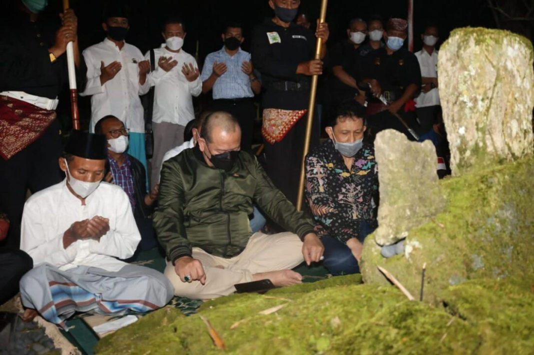 Sampai di Lampung Barat, Ketua DPD Ziarah ke Makam Raja-Raja