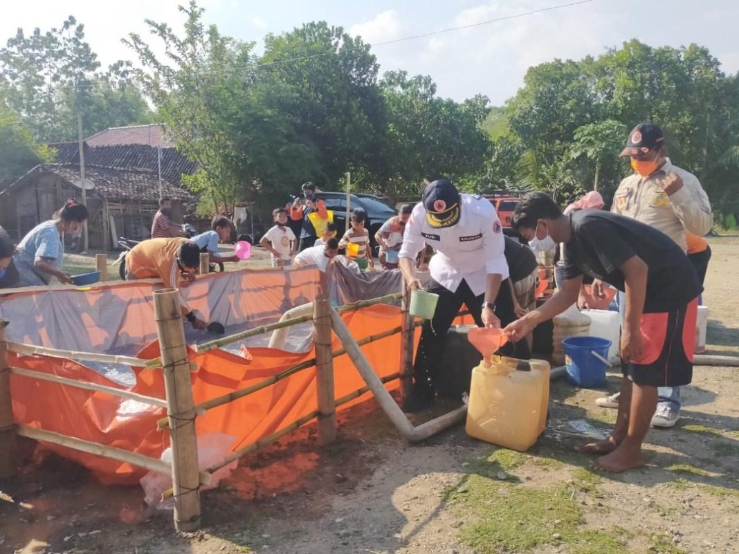 BPBD Jatim Salurkan Air Bersih ke Kabupaten Ngawi
