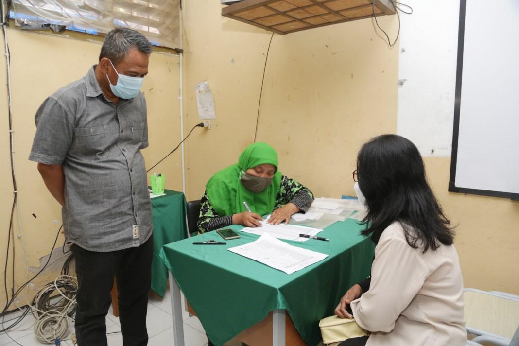 Koperasi Sekolah Kembalikan Uang Siswa MBR yang Terlanjur Beli Seragam