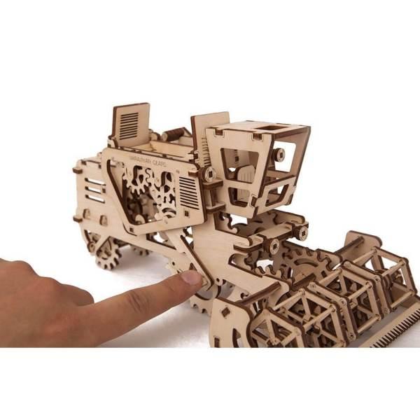 Holzbausatz - besten Holzmodell kaufen - Bausatz aus Holz - Geschenkidee und Männerspielzeug - Mähdrescher aus Holz 3