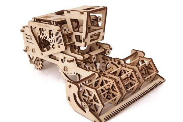 Holzbausatz - besten Holzmodell kaufen - Bausatz aus Holz - Geschenkidee und Männerspielzeug - Mähdrescher aus Holz