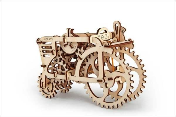 Holzbausatz - besten Holzmodell kaufen - Bausatz aus Holz - Geschenkidee und Männerspielzeug - Traktor aus Holz 2