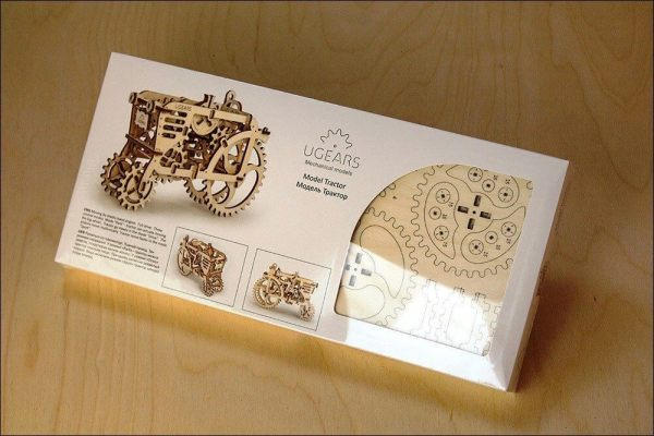 Holzbausatz - besten Holzmodell kaufen - Bausatz aus Holz - Geschenkidee und Männerspielzeug - Traktor aus Holz 3