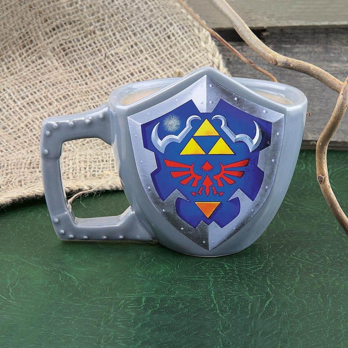 Nerd Geschenke - Die besten Gadgets für Geeks - Legende Zelda Becher Tasse Schield