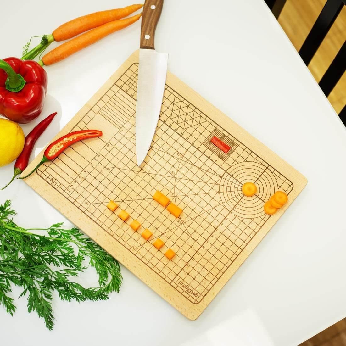Nerd Geschenke - Die besten Gadgets für Geeks - Schneidebrett für Zwangsgestörte Küchenbrett Gemüse Hochpräzise geschnitten