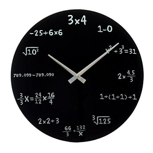 Nerd Geschenke - Die besten Gadgets für Geeks - Uhr für Mathematiker mathematische Formeln lösen um Uhrzeit zu erfahren