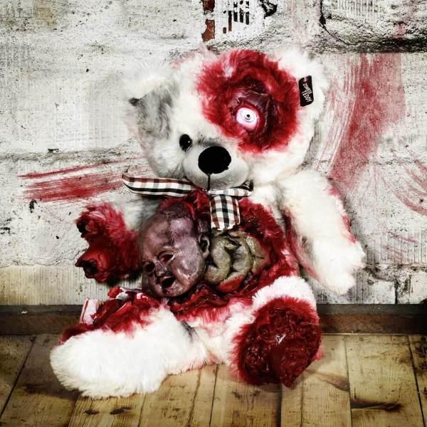 Zombie Teddy kaufen Geschenk für Horror Fans - Teddybär, Kuscheltier, Plüschtier, Stofftier - Kopf aus dem Bauch 2 Männerspielzeug kaufen – Männerspielzeuge finden – Spielzeug für Männer finden – bestes Männerspielzeug – Männerspielzeug im Vergleich