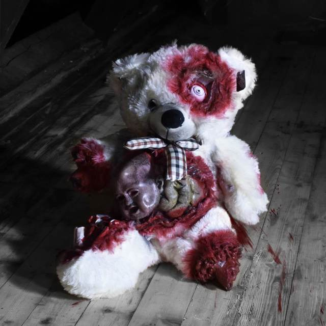 Zombie Teddy kaufen Geschenk für Horror Fans - Teddybär, Kuscheltier, Plüschtier, Stofftier - Kopf aus dem Bauch Männerspielzeug kaufen – Männerspielzeuge finden – Spielzeug für Männer finden – bestes Männerspielzeug – Männerspielzeug im Vergleich