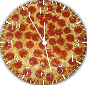 Food Design Salami Pizza Uhr