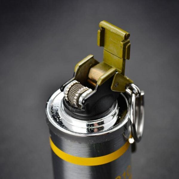 Feuerzeug im Granaten Design - Sturmfeuerzeug Granatnendesign - Geschenke für Männer kaufen Smoke Nade 3