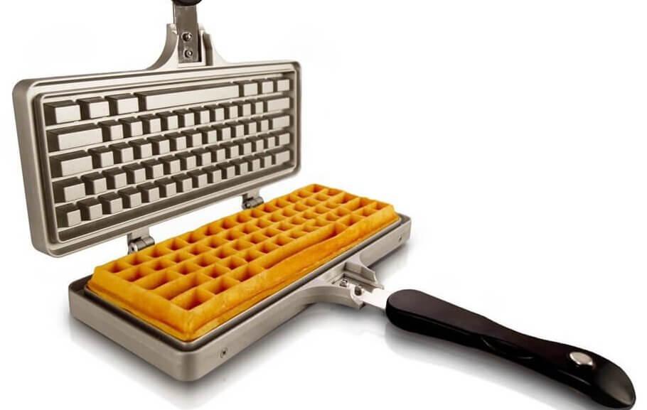 Tastatur Waffeleisen - Geschenk für Nerds, Nerdgeschenk, großes Waffeleisen, riesen Waffeleisen, bestes Waffeleisen, großer Waffelmaker, Waffelmaschine