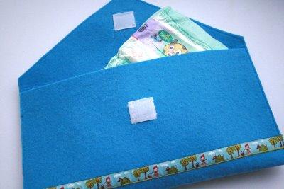 Windeltasche   blauer Filz   Krone & Webband   waseigenes.com Blog & Shop