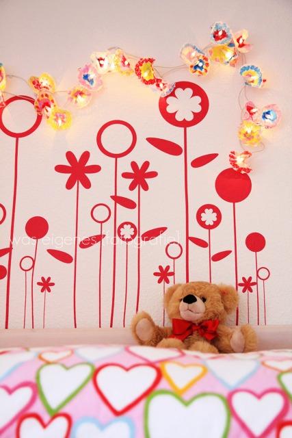 DIY Blumenlichterkette | Lichterkette mit Tortenuntersetzer basteln | waseigenes.com DIY Blog