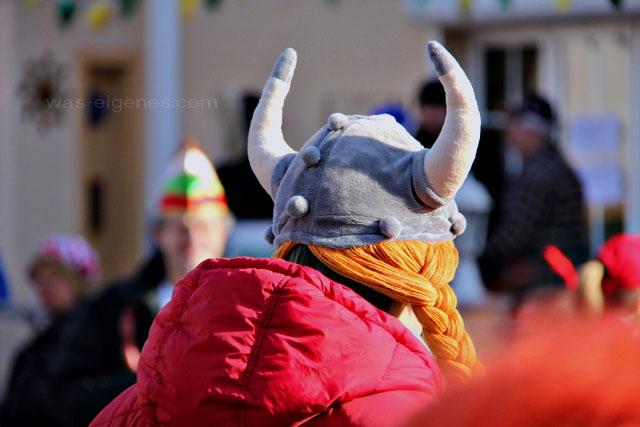 Karneval in Hürth   Karnevalszug 2012   waseigenes.com