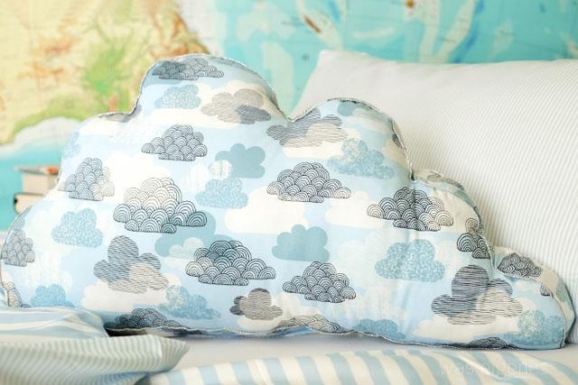 DIY Wolkenkissen aus Baumwolle & Frottee mit Silberpaspel   waseigenes Blog